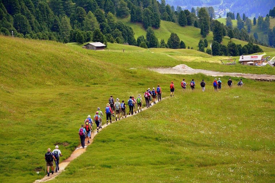 corporate retreat hike