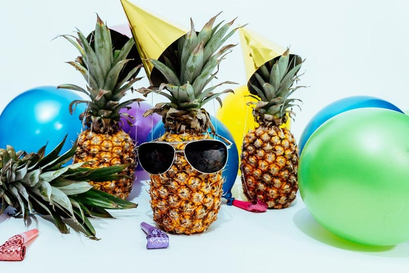 funky party pineapple decorations