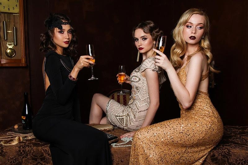 glamorous event guests for a 1920s themed party