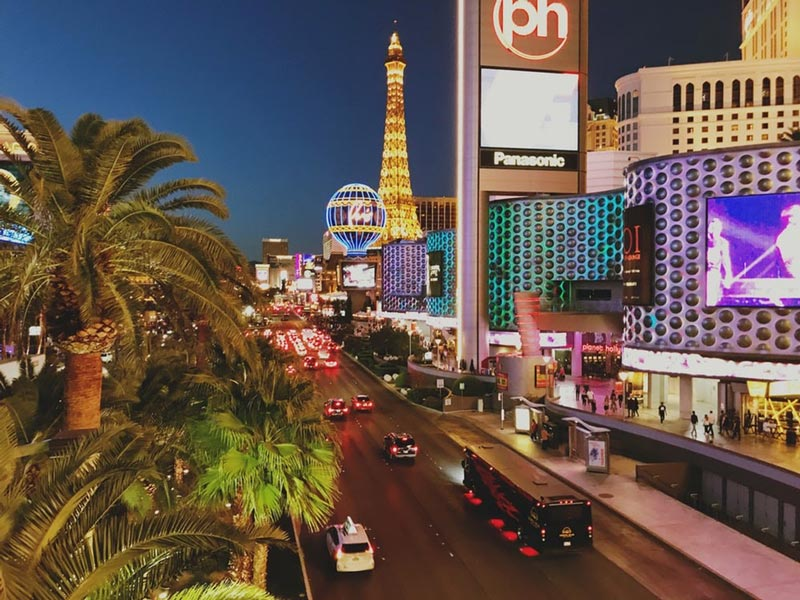hotels and attractions on the las vegas strip